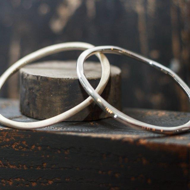 Round loop bangle - small