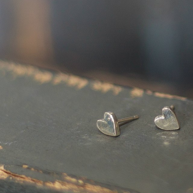 Tiny hammered heart studs - small