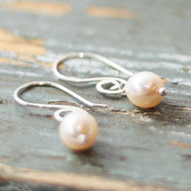 Oval pearl drops - small