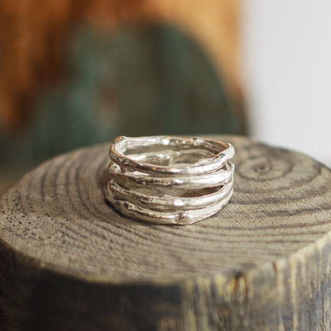 Wide twig ring-small